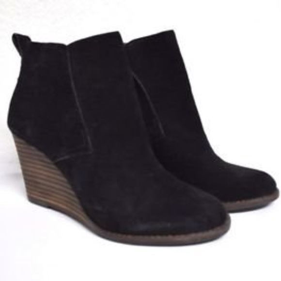f0a5abb0063a Lucky Brand Yoniana Wedge Bootie in Black - NWT